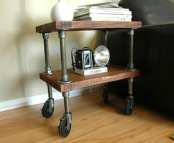 metal-and-wood-industrial-table-on-wheels.png